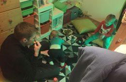 Ohrwürmer, Oliven und ein Zimmerpicknick
