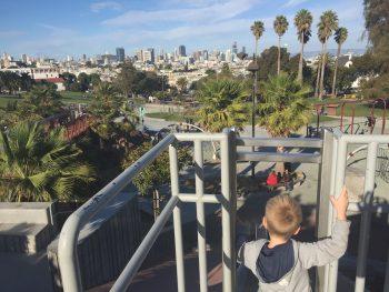 ein Spielplatz mit Aussicht: im Mission Dolores Park (San Francisco)